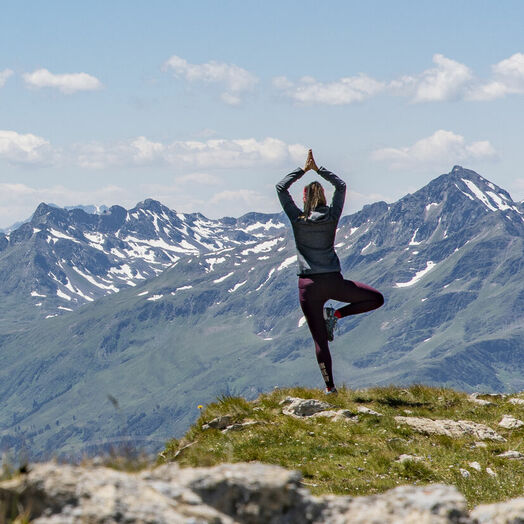 Yoga inmitten der Bergnatur